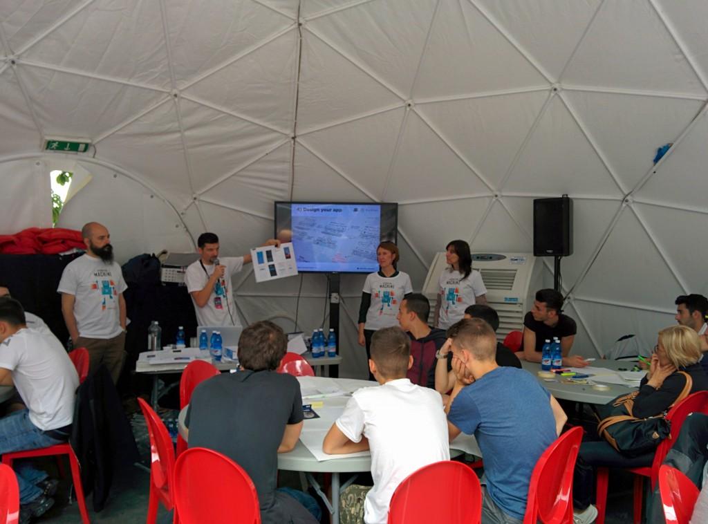 Il team degli UX mentor e gli studenti