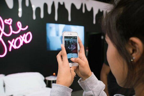 Come sopravvivere alla dirompenza dei Brand verticali nativi digitali?