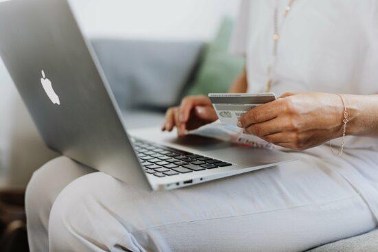 Le tendenze eCommerce 2021 da tenere d'occhio per vendere online con successo